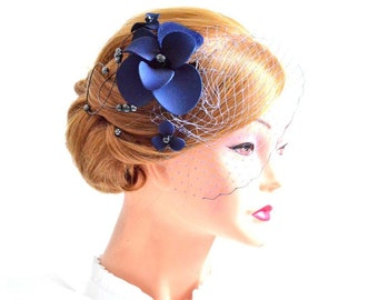 Navy blue birdcage veil with fascinator Birdcage veil in navy blue  Bridal veil clip Wedding fascinator Wedding hair accessories Hair pin