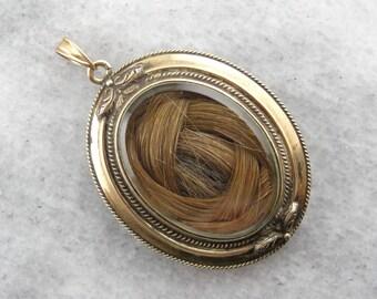 Gracious Sentiment: Antique Gold Victorian Hair Locket XPU9WW-N