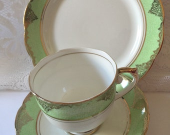 Vintage teacup trio - Vintage green, white and gold gilt teacup trio by Roslyn - teacup, saucer and plate - pistaschio #7805