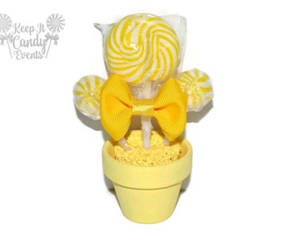 Mini Yellow Lollipop Arrangement, Lollipop Favor, Edible Favor, Candy Favor, Wedding Favor, Baby Shower Favor, Party Favor, Yellow Theme