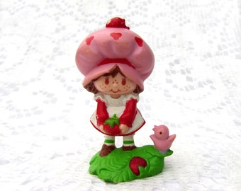 Vintage Strawberry Shortcake Mini Figure Strawberry Shortcake Picking Berries with Bird