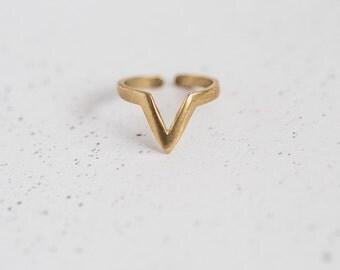 Simple Filigree Chevron Knuckle Ring