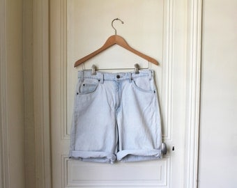 LEVIS 550 shorts jeans light blue 80s vintage Levi's washed blue grunge boyfriend shorts denim relaxed fit - W 33 L 00