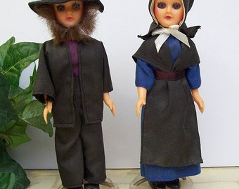 Vintage 1950's-1960's KNICKERBOCKER AMISH Couple Dolls with Heart Stands – Plastic – Sleep Eyes -