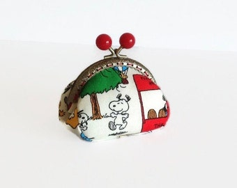 Cute Coin Purse, Snoopy Change Purse, Metal Frame Purse, Peanuts Coin Pouch, Handmade, Gift for Her