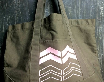 Army Green Canvas Tote With Arrow Design