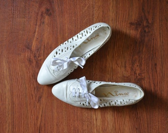 white leather oxfords / perforated leather shoes / leather lace up shoes / white cutout flats 7