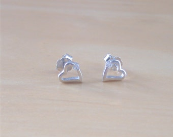 925 Silver Cz Heart Stud Earings/Sterling Silver Heart Earrings/Heart Jewellery/Heart Jewelry/Heart Jewelery/Love Heart Earrings/Heart Studs