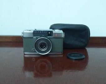 Retro Olympus Pen-EE S Camera 1960s