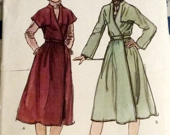 1970s Women's Front-Wrapped Dress Sewing Pattern Vintage Vogue 9605 Size 14 Bust 36 Uncut