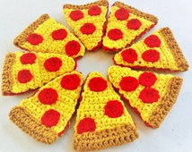 Pepperoni Pizza,Amigurumi,Crochet,8 slices,pretend food,pizza,plush food,pretend picnic,kids play kitchen,pizzeria decor,handmade,homemade,
