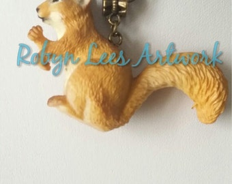 3D Red Squirrel Textured Necklace on Bronze Crossed Chain,