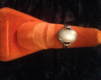 Vintage Southwestern Style Moonstone and Sterling Silver Ring - Size 7