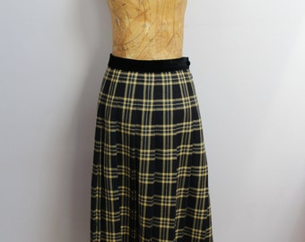 Pleated, yellow tartan, anglomania style mid-length skirt with velvet trim