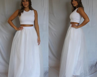 White tulle skirt, tulle skirt, maxi tulle skirt, long tulle skirt, wedding skirt, plus size tulle skirt, floor length tulle skirt, white.