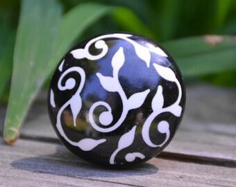 Ceramic knob/cabinet knob/floral knob/flower knob/black/white/round/drawer pull/unique/decorative/furniture hardware/beautiful/bath/bedroom