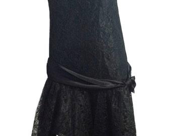 vintage 1980s does 1920s Black Lace Flapper Style Dress w/ Bow XS