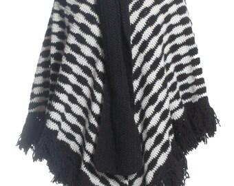 Vintage Black & White Pattern Wool Poncho - www.brickvintage.com