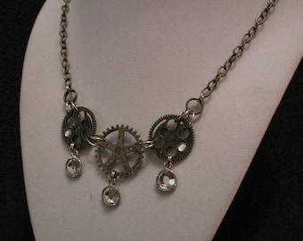 Steampunk, Steampunk Jewelry, Steampunk Necklae, Gears, Glass, Bronze Necklace