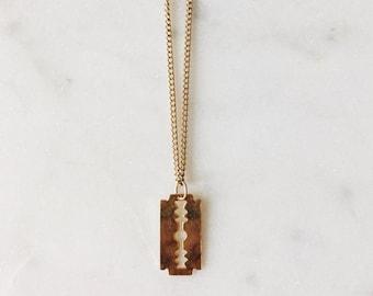 "1990's Dead Stock Vintage Gold Razor Blade Necklace 16"""
