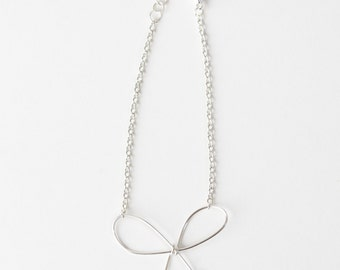 Bow Bracelet (Silver)