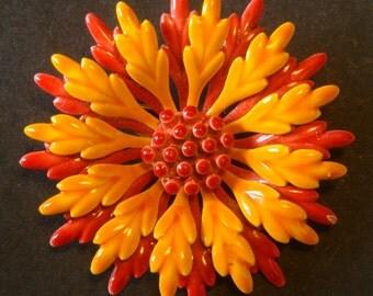 Vintage flower brooch, in red and orange enamel. 60s 'Flower Power' - cod. A65