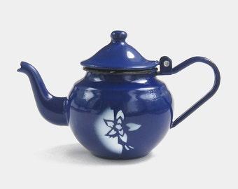 Vintage Dark Blue Enamel Teapot - kettle coffee tea pot royal deep navy black white enamelware retro camping hiking 1940s 1950s mid century