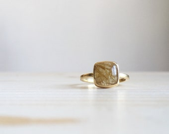 READY TO SHIP // 18k yellow gold ring with quartz rutilated - Old style engagement ring