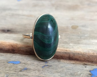 Vintage malachite 9ct ring
