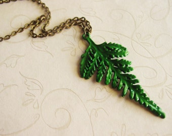 Green Fern Pendant Necklace on Antique Bronze Chain, Emerald Green Leaf Necklace, Botanical Garden Jewelry
