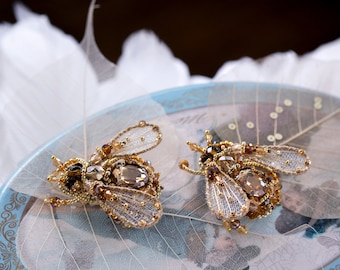 Bee jewelry Honey bee Bridal shower gift Insect jewelry Woodland jewelry Gold Bee brooch Wedding jewelry Pair of pins Bumble bee brooch