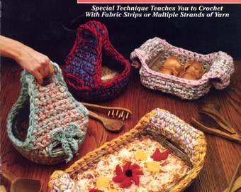 Quick & Easy With a Q Hook - Casserole Carriers from Annie's Attic (large hook crochet) | Craft Book