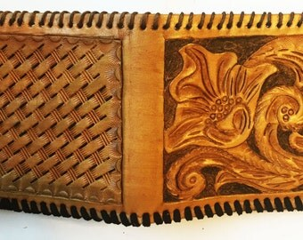 Traditional Floral Billfold