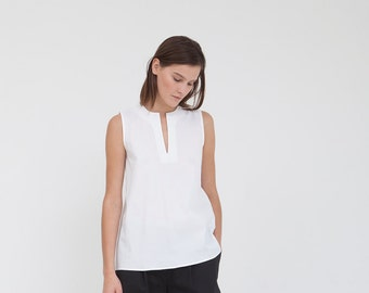 Clasic white sleeveless top
