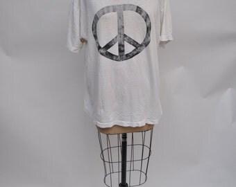 vintage tshirt 1980s t-shirt PEACE SIGN shirt DISTRESSED oversized boyfriend fit