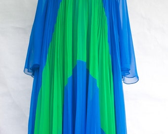 Vintage 1970s Travilla Infinity Pleated Caftan Gown. M