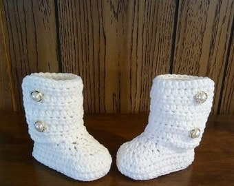 Crochet baby girl booties, Crochet baby boots, Crochet baby shoes, White boots, Winter boots, Christmas boots, Pearl buttons, Baby boy boots