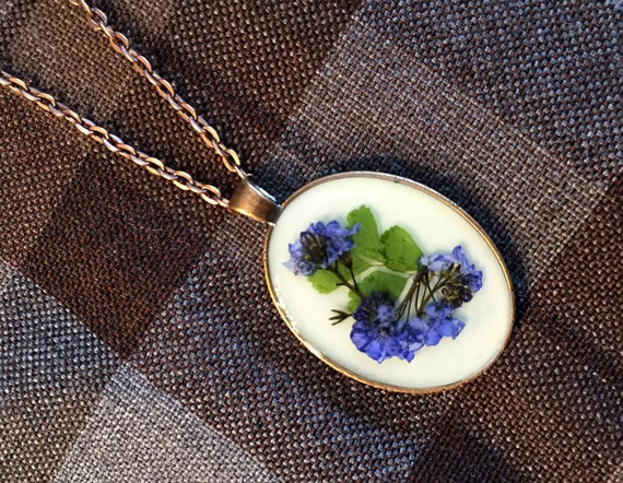 Outlander Scottish Bluebells Large Oval Pendant Necklace - Jewelry - Copper, Gold or Silver - Forget Me Nots Claire Gabaldon Scotland FT07