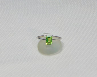 Size 9 Peridot Octagon Sterling Silver Ring