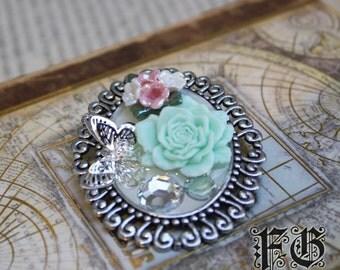 Rose Wonderland Lolita Cameo Brooch - Silver