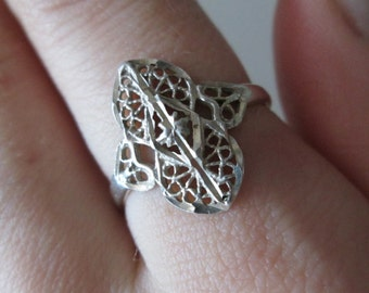 Sterling silver Vintage Carved ring, size 8