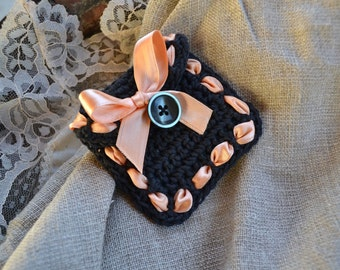 Miniature pouch, small crochet pouch, miniature crystal pouch, soft ring case, black and pink, wedding ring holder, ring box, small pouch