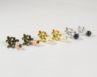 Pearl Stud Earrings, earrings flowers, color choice, freshwater pearl, vintage, Bridal jewelry, freshwater pearl earrings, gift for you