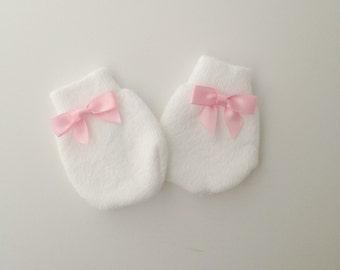 Baby girl mittens Newborn Girl Mittens, Baby mittens, Baby no scratch mittens, Newborn Mitts,