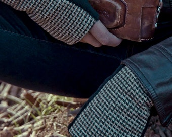 gloves for men, mittens for men with polar fleece, blue striped print, elegant, gift for men