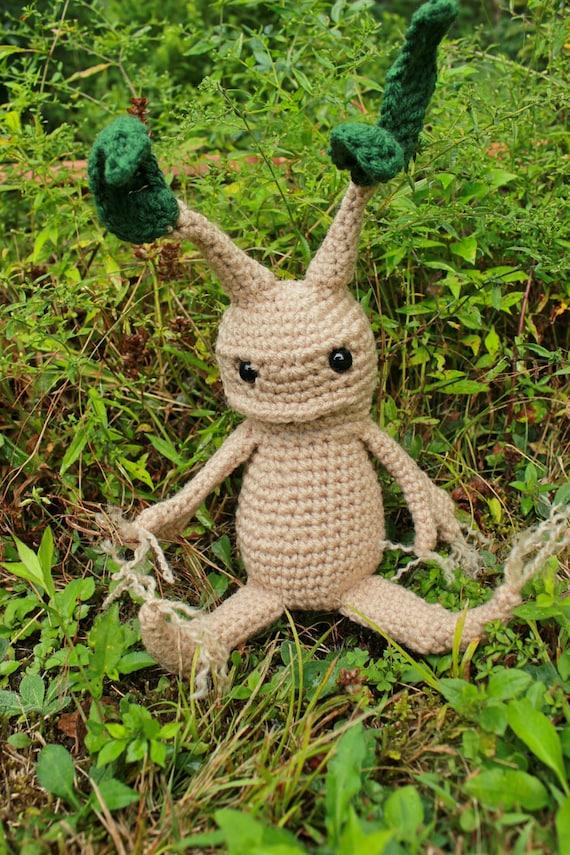 Amigurumi Mandrake : Crochet Harry Potter Mandrake inspired amigurumi stuffed root