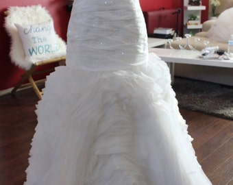 Strapless Ruffled Wedding Dress / Organza Wedding Dress / Strapless Sparkle Bridal Gown / Sweetheart Neckline Wedding Gown