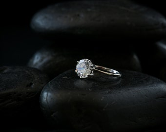 Marry Me Ring - Swarovski Zirconia  set 925 sterling silver.