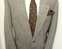 1950s SAVILE ROW Tweed Sport Coat Vintage 50s Grey Herringbone Wool Mens Blazer Pure Virgin wool / Sports Coat / Size 44R / Large / Lrg / L
