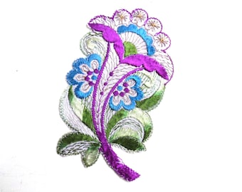Applique, Flower applique, 1930s vintage embroidered applique. Vintage floral patch, sewing supply. #641G86K16